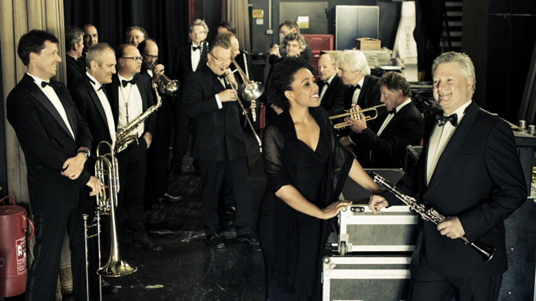 SWR Big Band & Fola Dada (c) by Lena Semmelrogge/SWR